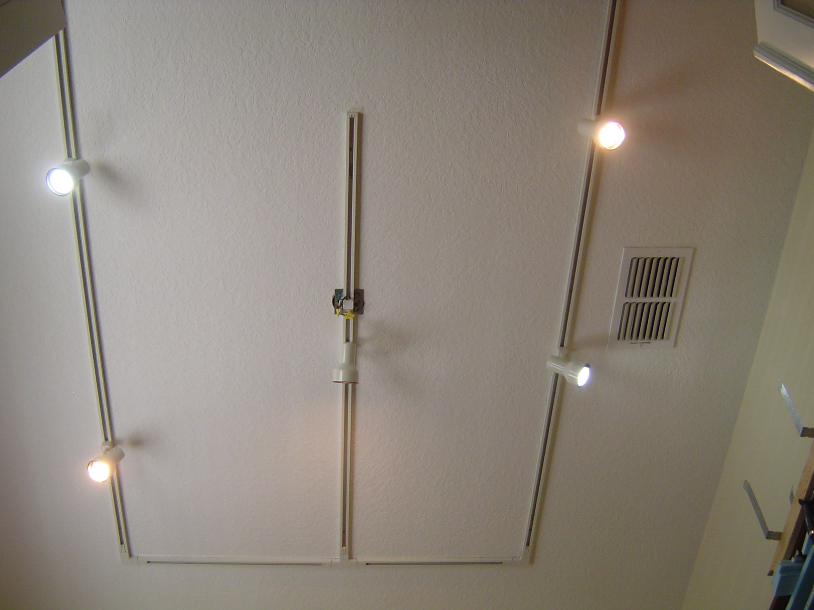 how track lighting works. Perfect Works How Track Lighting Works Gallery Home And Design